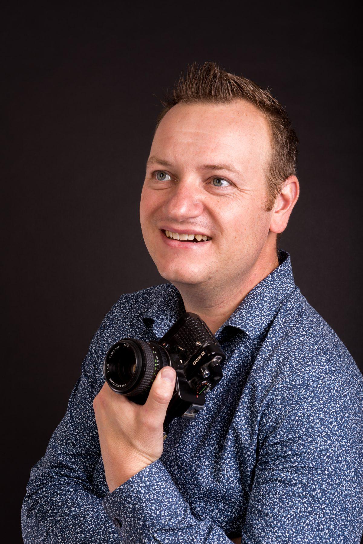 Wijgert IJlst portret met camera